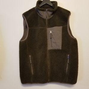 Eddie Bauer men's Range Finder Sherpa fleece vest